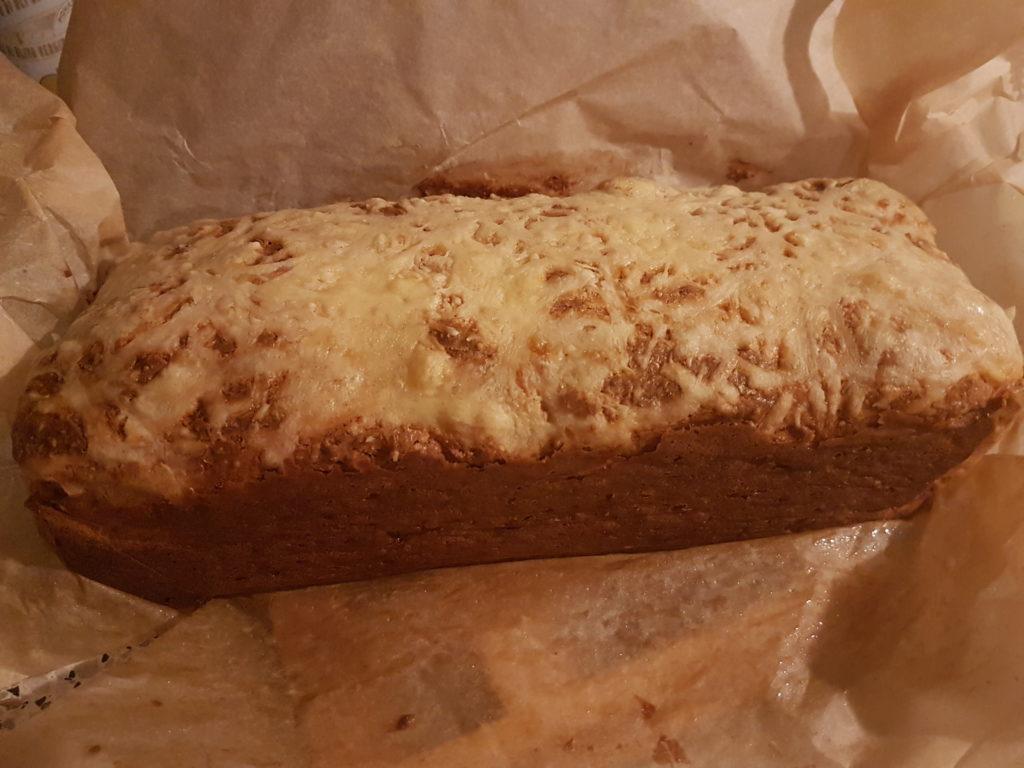Cheddar Bacon Brot